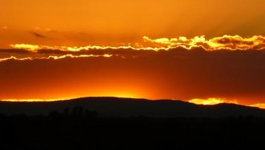 sunrise-sunset-sunglow-landscape-sky-clouds-mountain-nature-1920x1080