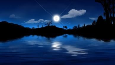 odbicie-noc-jezioro-ksiezyc-gwiazdy